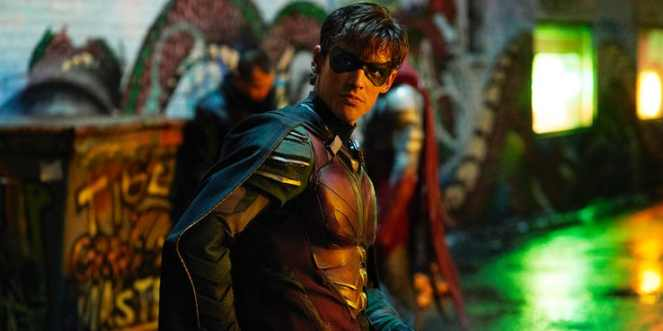 Brenton-Thwaites-as-Dick-GraysonRobin-in-Titans.jpg